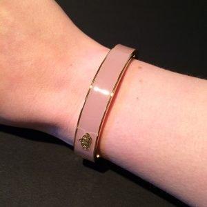 disney couture armband roze goud achterkant om