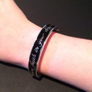 zwarte armband disney couture platina om