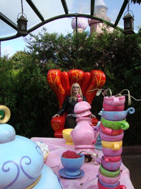 Alice's Curious Labyrinth stoel