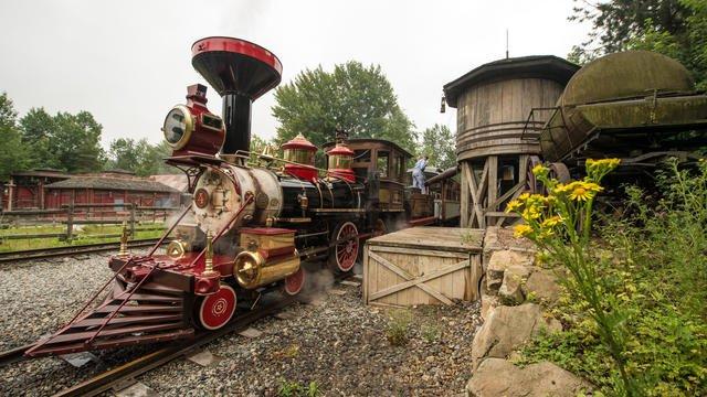 Disneyland Railroad frontierland