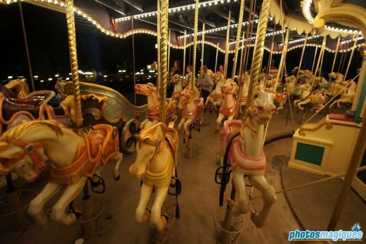 binnen Le Carrousel de Lancelot