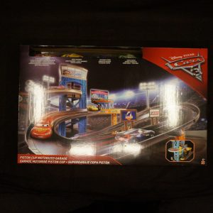 Cars Piston Cup Motorized Garage