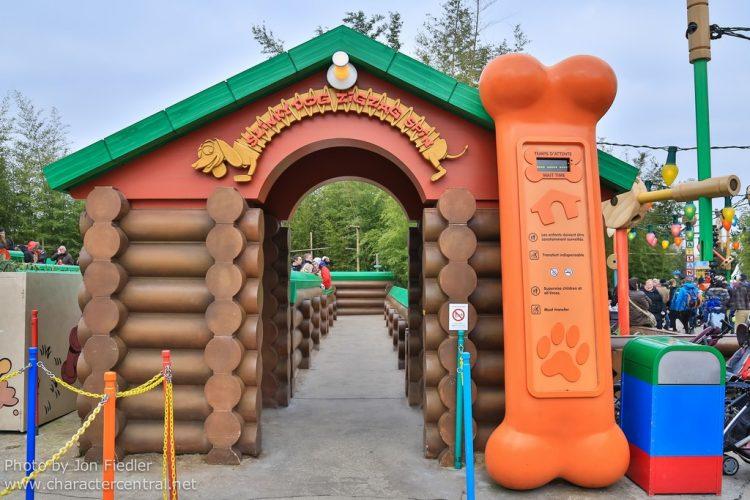 ingang Slinky Dog Zigzag Spin