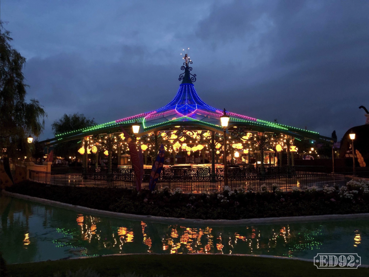 Mad Hatter's Tea Cups LED