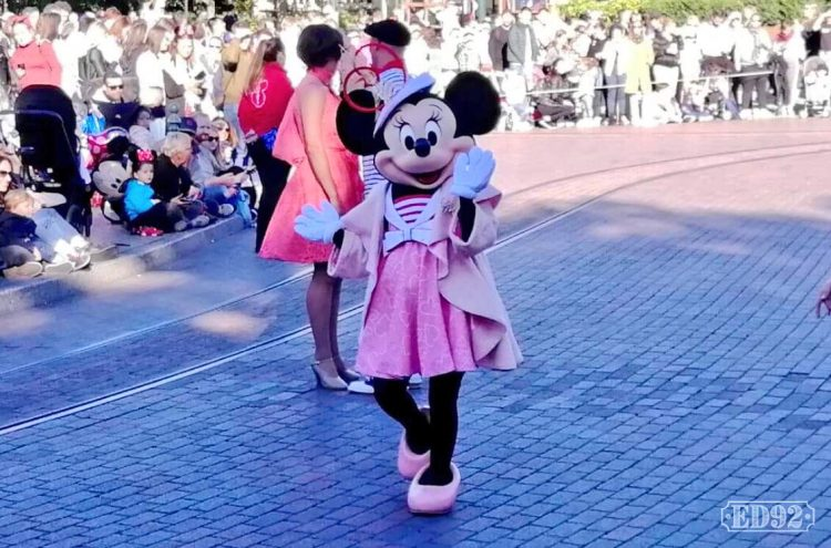 Minnie Mouse Parijse outfit