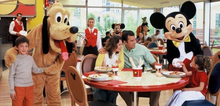 Cafe Mickey figuren