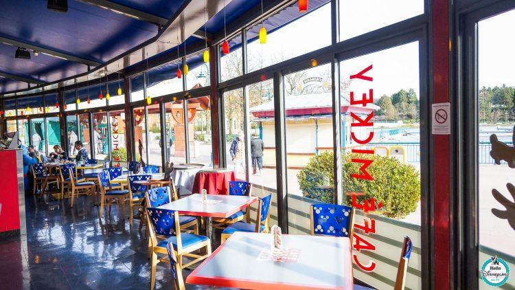 Cafe Mickey zitplaats