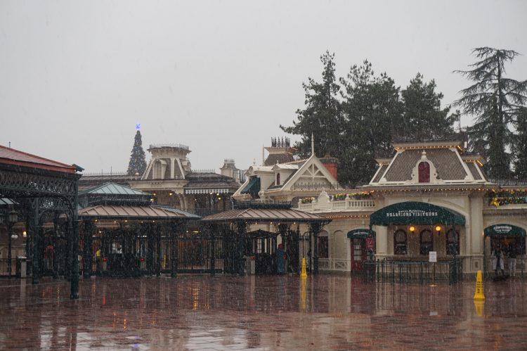sneeuw in Disneyland Paris