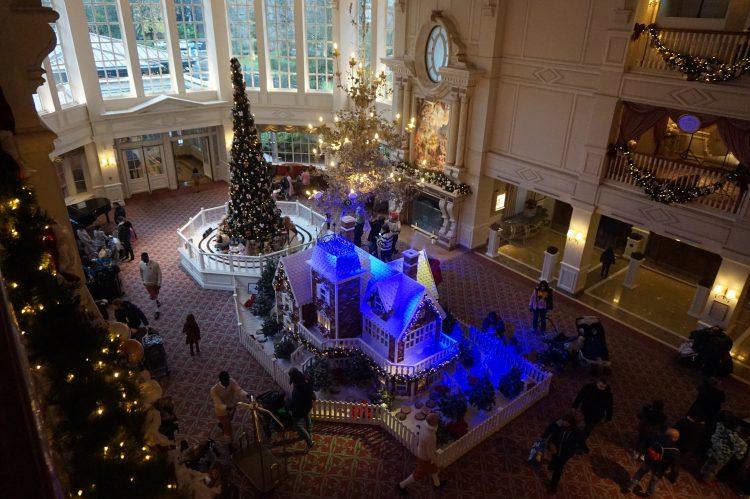lobby disneyland hotel
