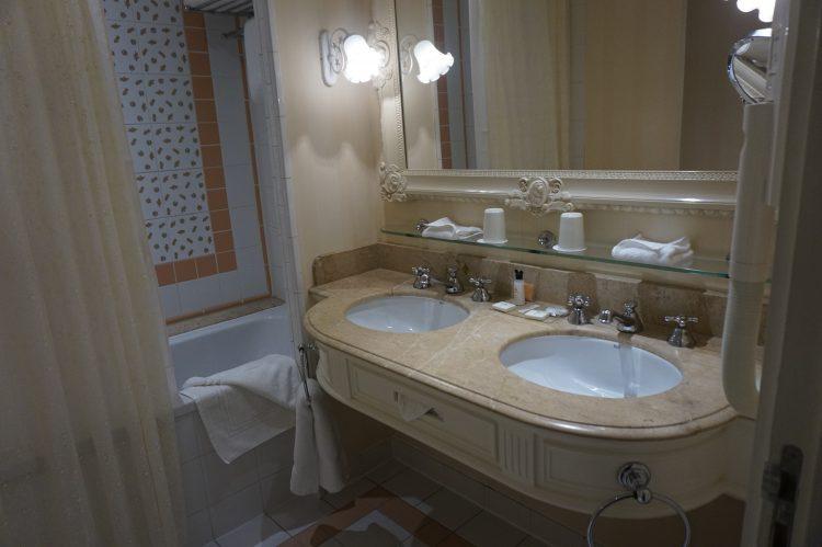 badkamer disneyland hotel